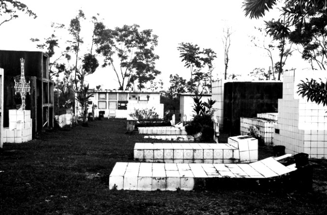 costa-rica-cemetery_horizontal_bw_Web